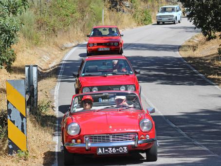 Casa do Benfica de Fornos de Algodres promove passeio de carros antigos