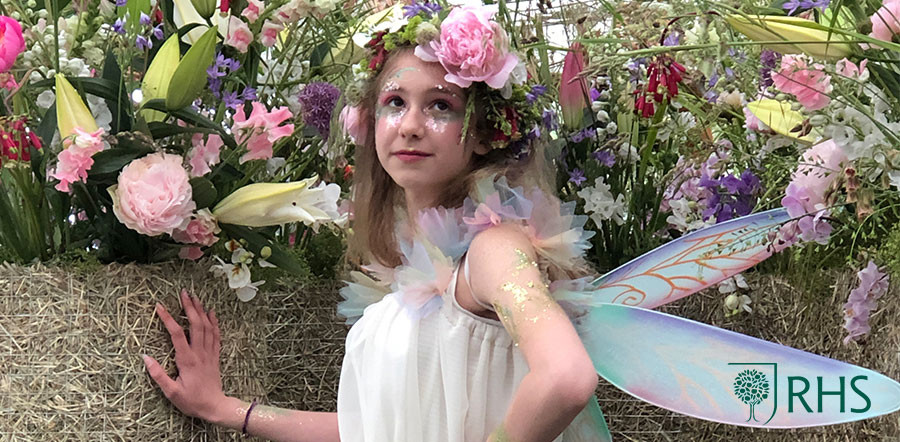 "Helen Chambers, and her company Evolve Flowers, Eco Glitter Fun recently had the pleasure of adding biodegradable glitter sparkle to the ""Floral Immersions"" exhibit at this years' Chatsworth Flower Show."