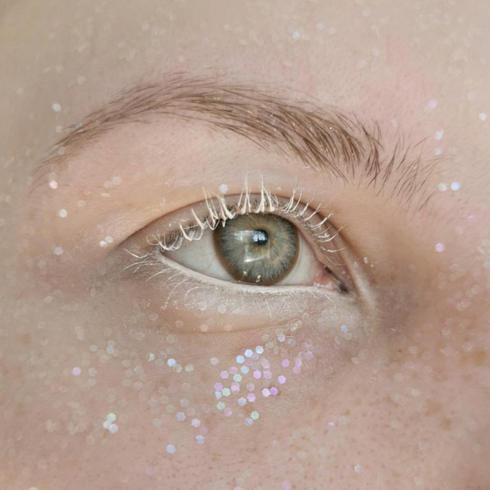 Easy glitter makeup ideas for summer festivals