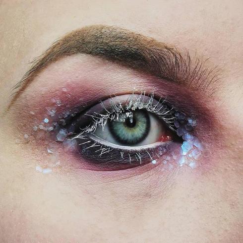 Simple festival glitter makeup ideas