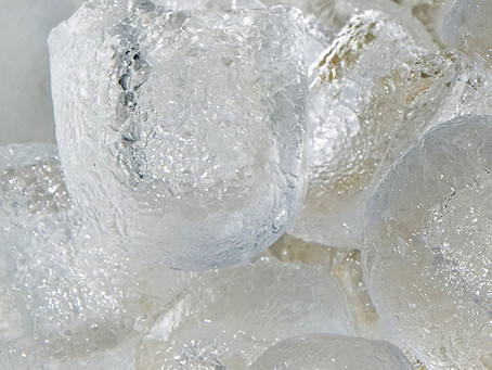 Chewing Ice Puts Teeth at Risk