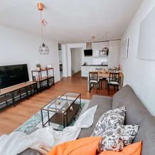 Wohnzimmer A, C