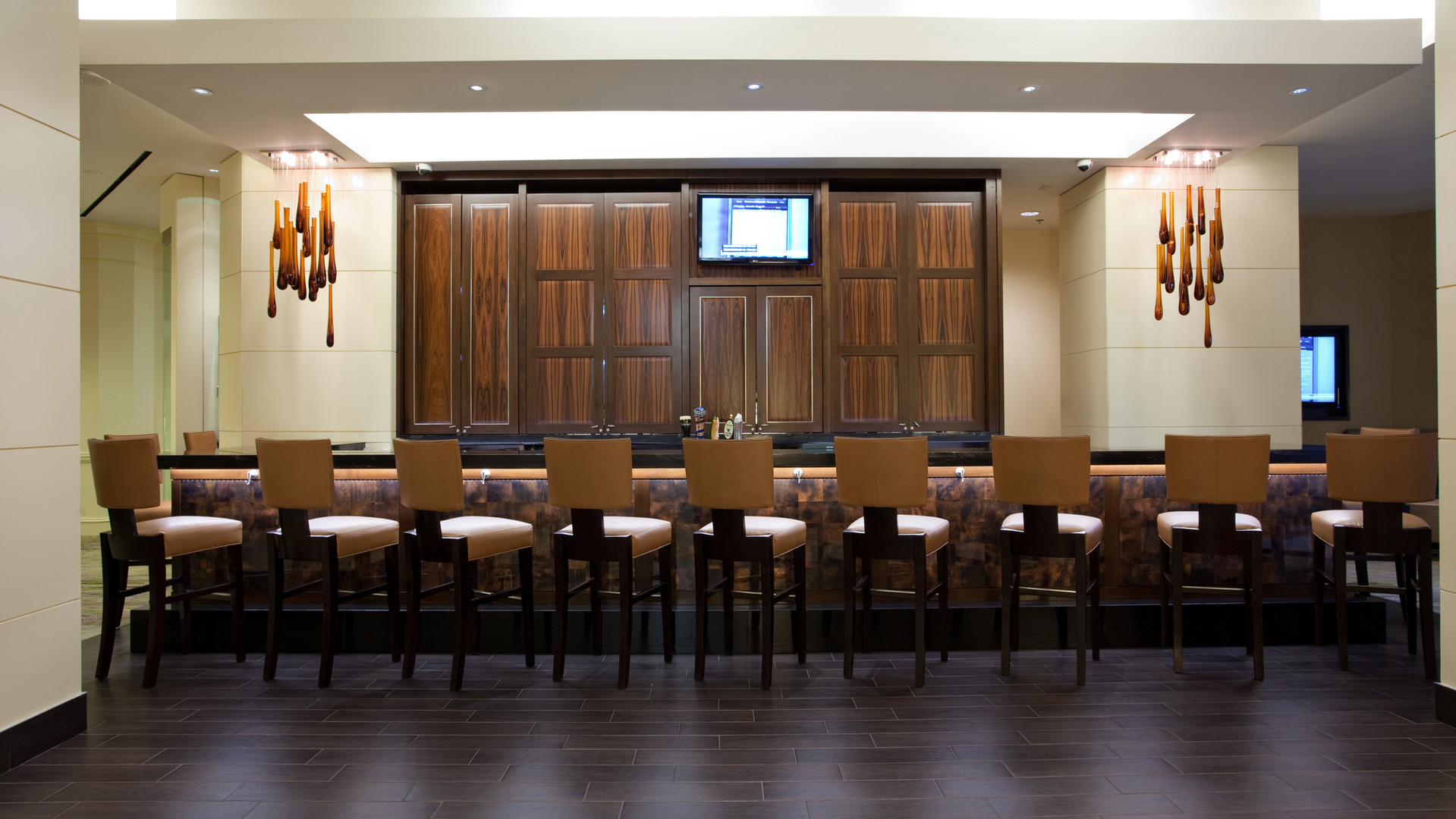 Lobby Bar 1.jpg