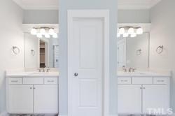 23bathroom2