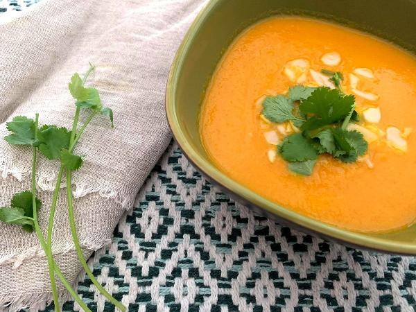 Kókusztejes sárgarépa leves