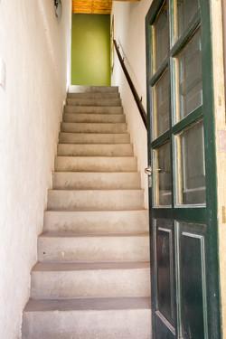 1er piso por escalera