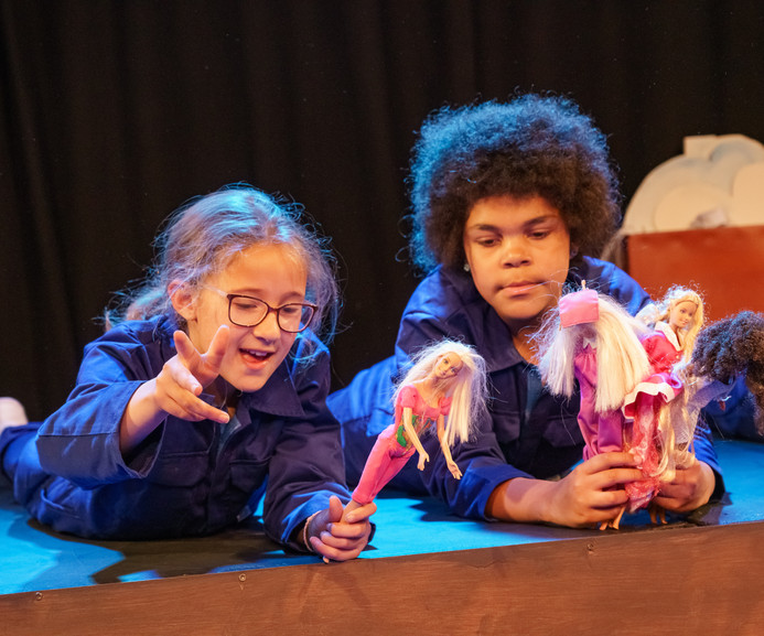 '1000 Reasons Not To Fly'   Daniel Jamieson   Derby Theatre Youth Theatre 8-10 Double Bill   Director: Olwen Davies   Design and Scenic Art: Maria Terry   Costume: Aimee Russam   June 2019   (Photo credit: Chris Webb)