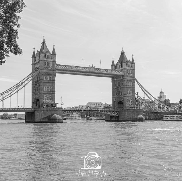 3. Tower Bridge B&W