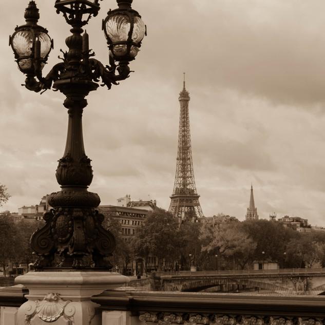 Alexandre Bridge, Paris