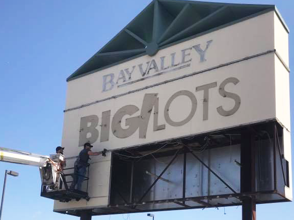 Bay Valley sign-removal
