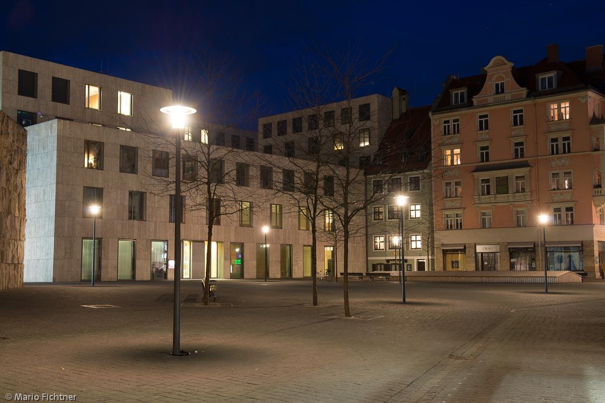 nacht-platz-bauwerk-5076.jpg