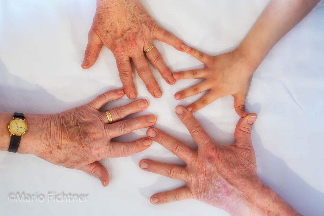 Hands 502218