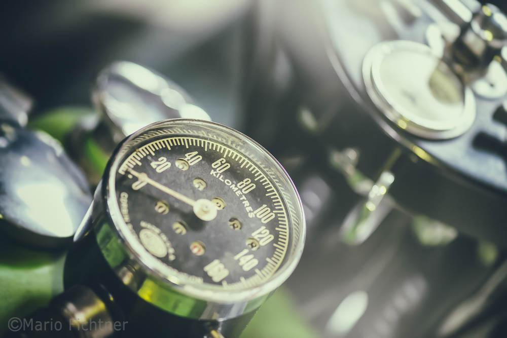 Nostalgic Speedmeter 5631