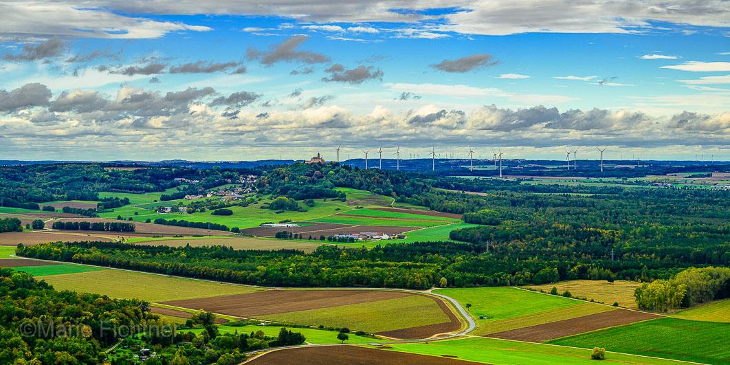 Blick vom Ipf Richtung Schloss Baldern 8
