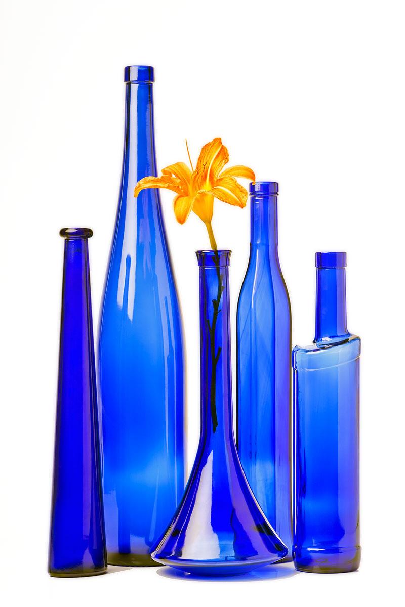 flasche-blau-glas-reihe-2083.jpg