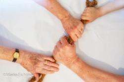 Hands 502518