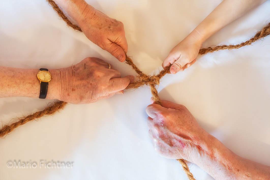 Hands 502618