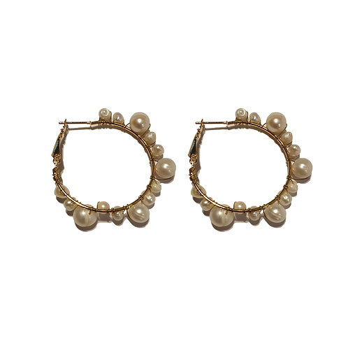 8e pearl hoop earrings