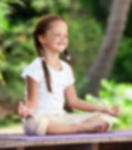 nina-haciendo-mindfulness.jpg