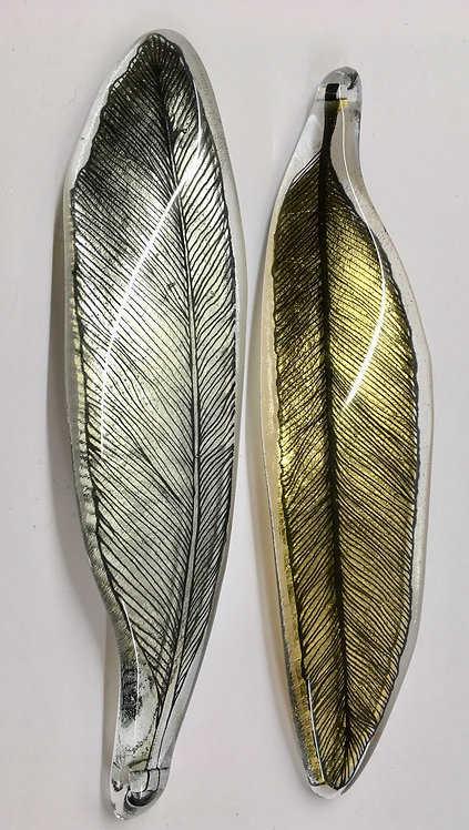 Gilded hanging feathers, 22ct gold.