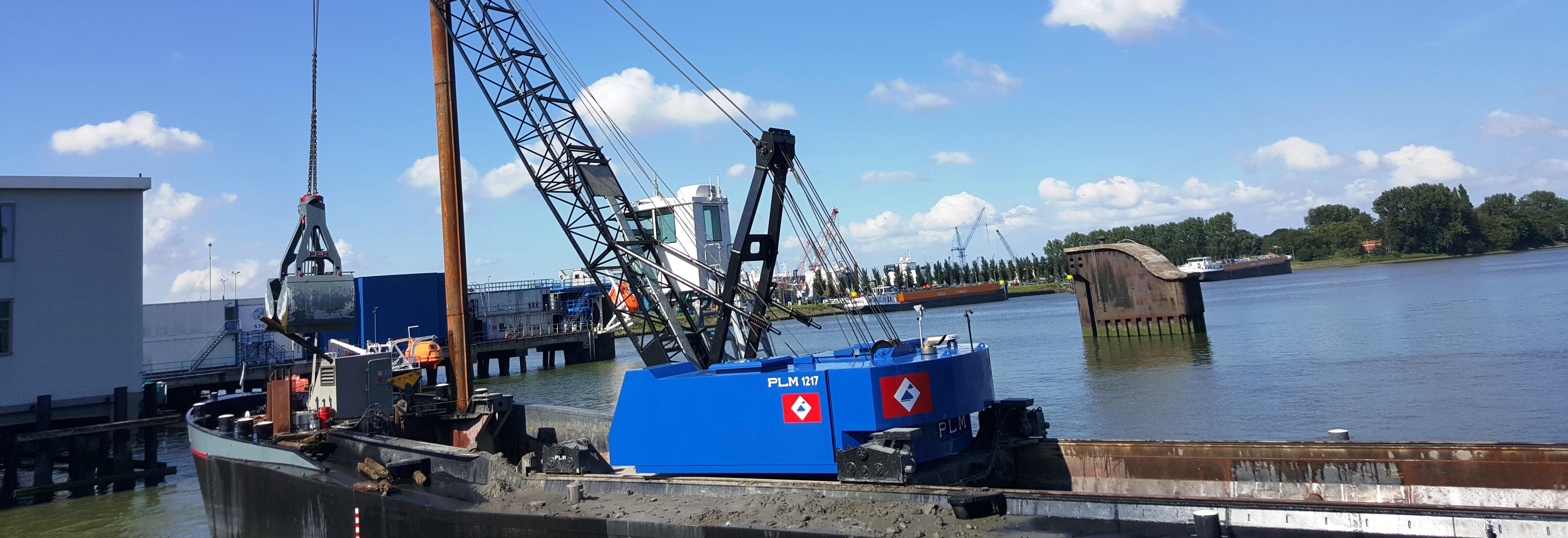 PLM 1217 dredging crane