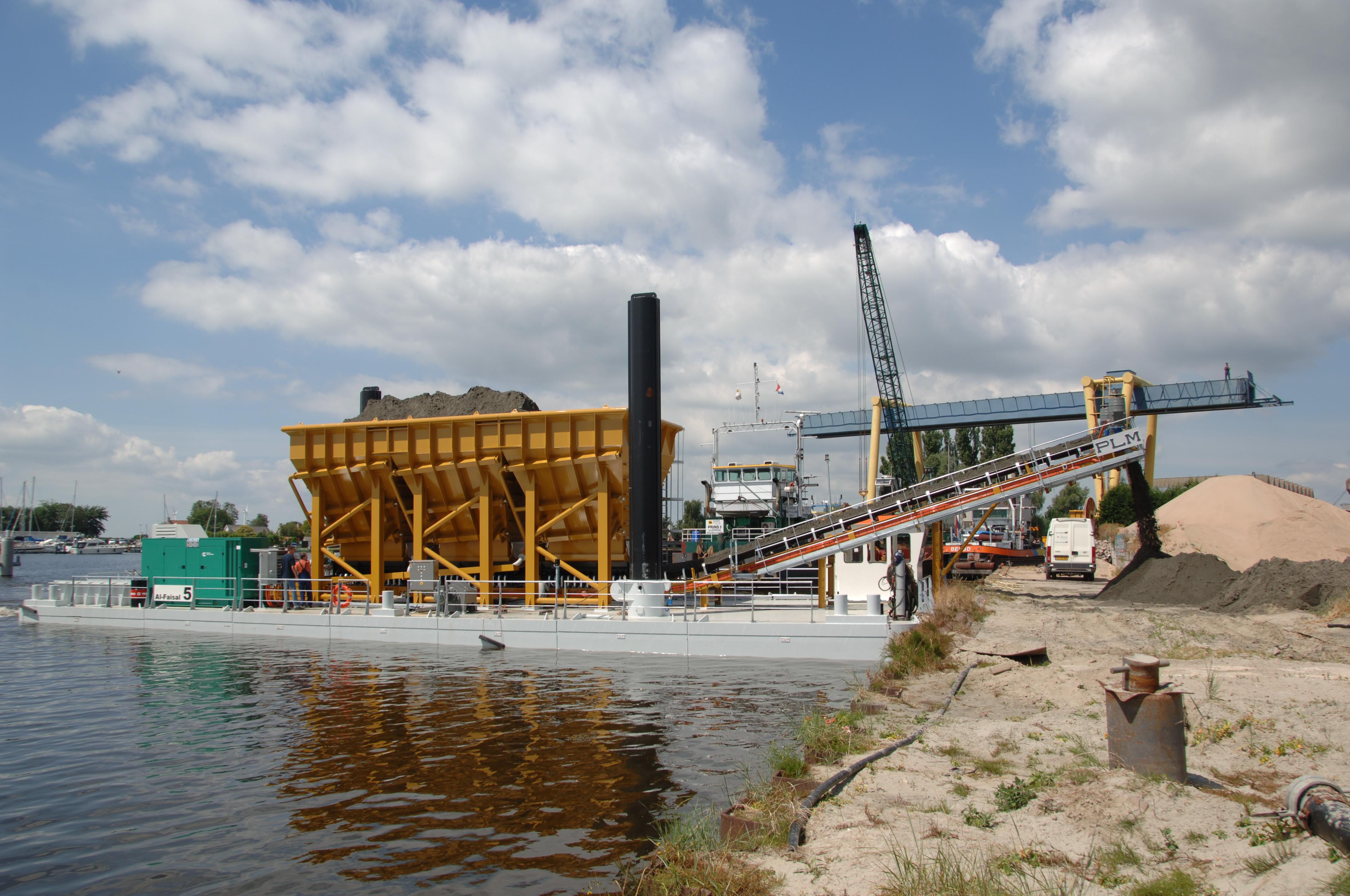 PLM modular hopper barge