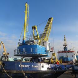 PLM 1615 dredging crane