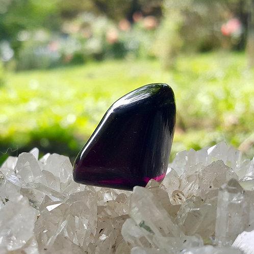 Dark Grape Soeverein Amethyst Andara 13 gram