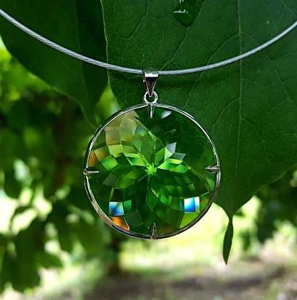 Prachtige en unieke Merlin Green Flower of life Andara Hanger