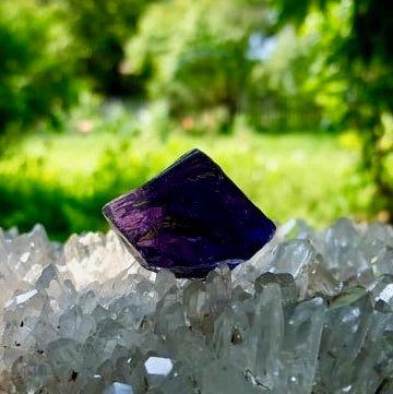 Dark Grape Soeverein Amethyst Andara 21 gram