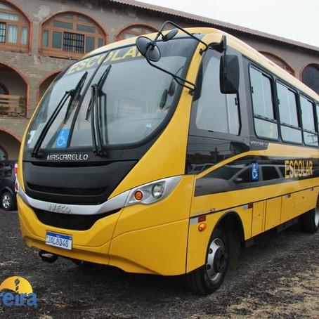 Cerimônia de Entrega oficial do novo ônibus escolar, Secretaria Municipal de Educação e Cultura.