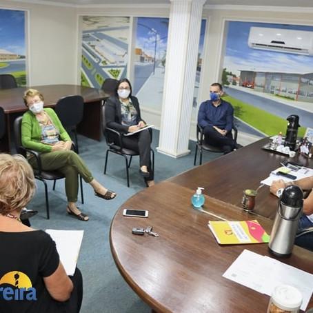 Prefeitura discute medidas para criação de centro de proteção para mulheres