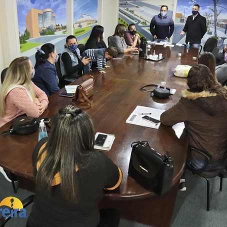 Reunião com supervisores das escolas