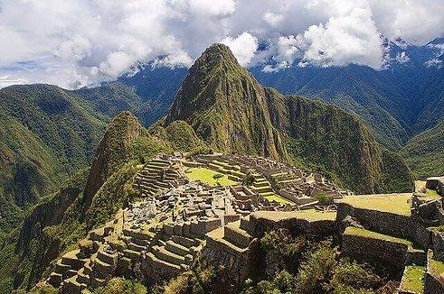 Machupicchu,_Perú.jpg