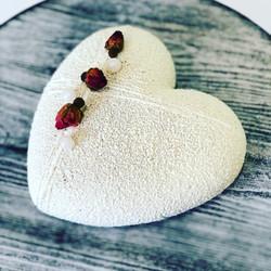 торт Черничное сердце