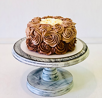 торт Три шоколада бисквитный.png