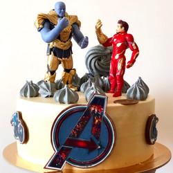 Торт _Железный человек и Танос_