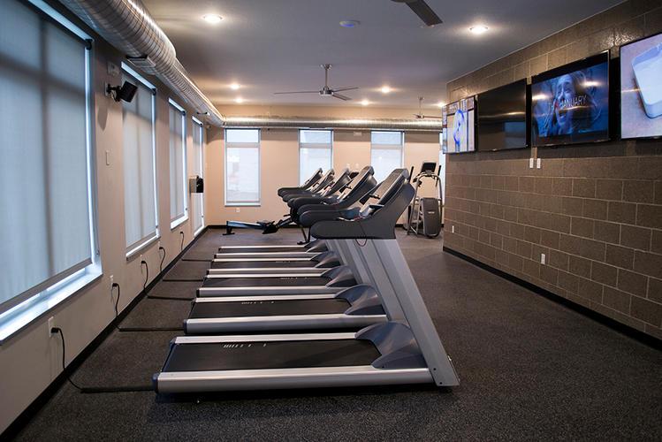 FitnessCenter02.jpg