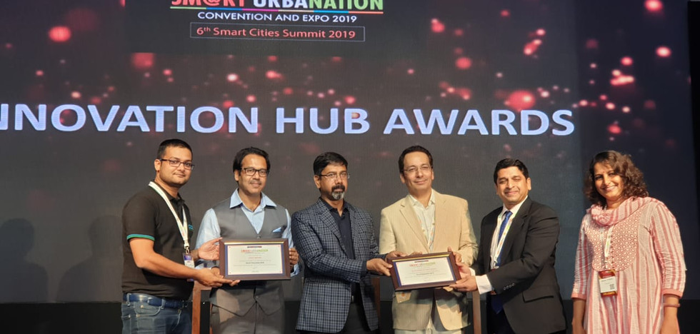 Dr Srikanth Sola, our CEO receiving an award on behalf of Devic Earth for breakthrough innovation