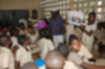 remise de jouets aux enfants togolais africains