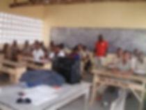 classe finie du lycée construit par alaric togo afrique
