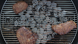 Riskedal Beef grill logo
