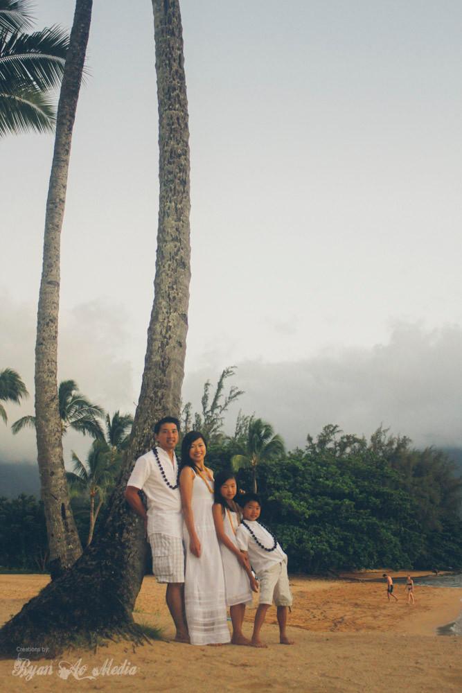 Kauai Family Portrait Photographer palm trees