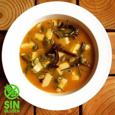 Sopa de Calabaza, Hongos de Pino y Romero