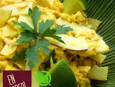 Ensalada de Pollo y Coco Ayam Jeruk