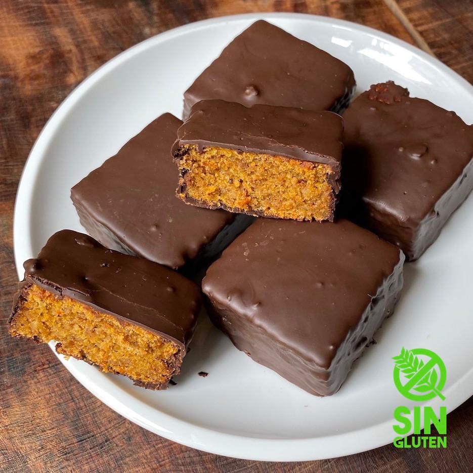 Receta de carrot cake bañado en chocolate sin gluten