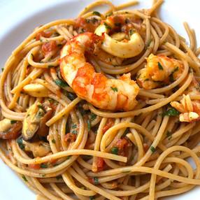 Espaguetis con Frutos de Mar