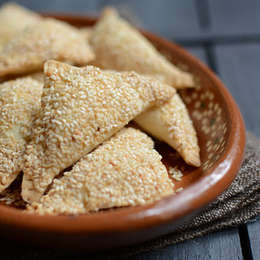 Masa de Burekas - Empanadas Burekas de Queso y Sésamo