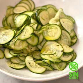 Ensalada de Zucchini Crudo con Menta