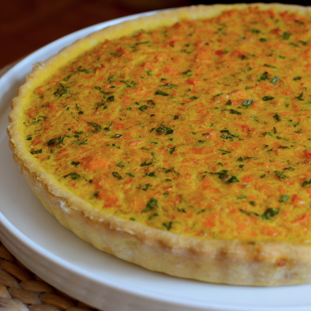 Tarta con relleno de zanahorias